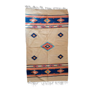 Tapete textil beige con rombos azules de 90x150cm