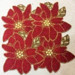 Mantel individual cuadrado de chaquiras diseño flores de nochebuena rojas con dorado de 38x38cm