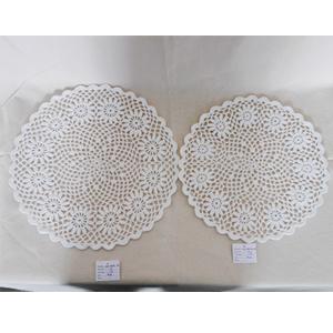 Mantel tejido blanco diseño flores de 38cm