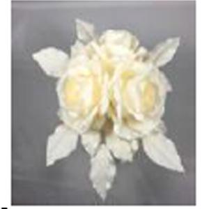 Vara con 3 rosas blancas gigantes