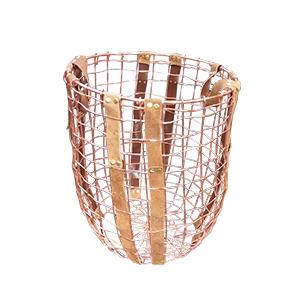 Canasta calada de alambron color cobre de 31x39x24cm