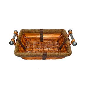 Canasta rectangular de ratán con asas de metal de 39x30x13cm