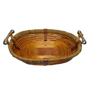Canasta oval de madera con ratán y asas de metal de 55x44x12cm