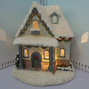 Casita nevada iluminada de 17x15x20cm