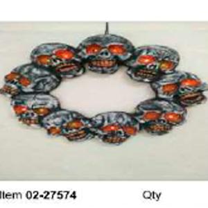 Corona de Calabazas con luz en los ojos (usa baterias AA) de 48x48x32cm