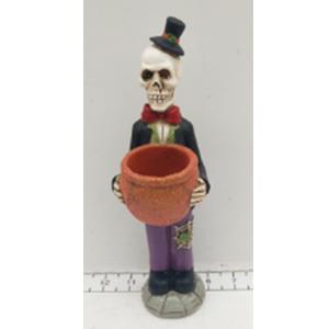 Esqueleto con traje y candelabro de 7x9x22cm