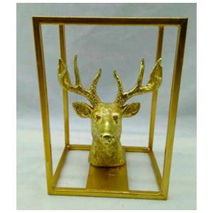 Cabeza de venado en base rectangular dorada de 17x11x20cm