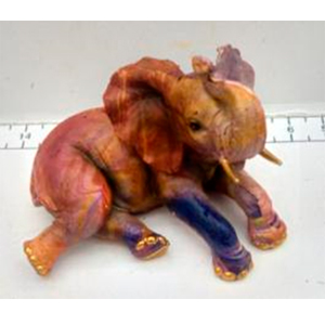 Elefante hechado a colores de 21x21x16cm