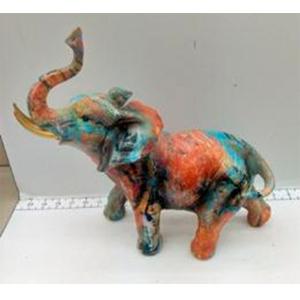 Elefante parado a colores de 30x15x31cm