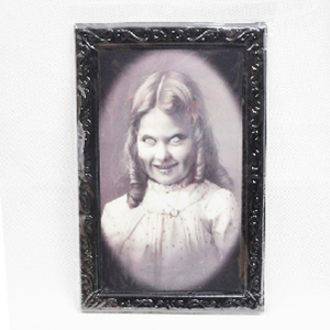 Portarretratos negro con foto de fantasma de 48x36cm