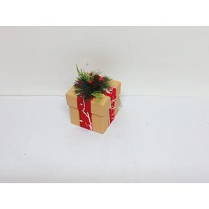 Caja de regalo beige y corsaje de 9x9x11cm