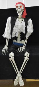 Esqueleto de Pirata con luz led de 160x150x19cm