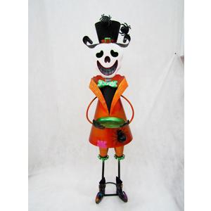 Calavera con traje naranja de lámina de 28x36x110cm