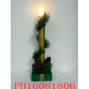 Decoracion navideña en base con luz de 10x10x38cm (usa 3 baterias AAA)