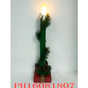 Decoracion navideña en base con luz de 10x10x45cm (usa 3 baterias AAA)
