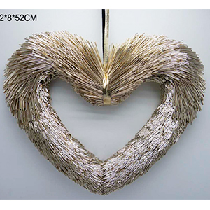 Corazón champagne de popotillo de 33x5x33cm