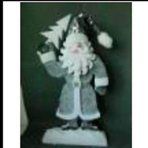 Santa con abrigo gris de 95cm