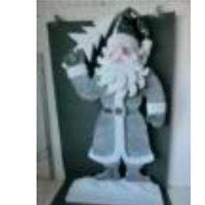 Santa con abrigo gris de 155cm