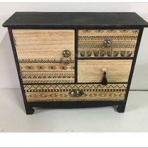 Alhajero diseño cómoda de madera con 4 cajones negra con grabado de 34x11x30cm