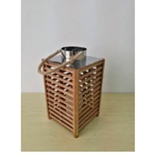 Linterna de madera cuadrada con twilight usa bateria AAA de 18x18x33cm