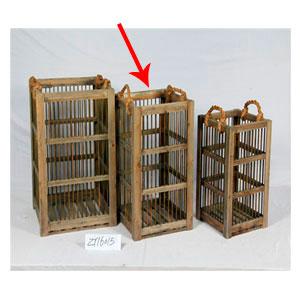Caja de madera con barrotes de metal y asas de 40x40x65cm