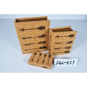Caja porta libros diseño corcho con estampado de flechas de 30x24x8cm