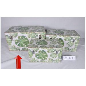 Baúl de madera con estampado de hojas de 65x38x35cm