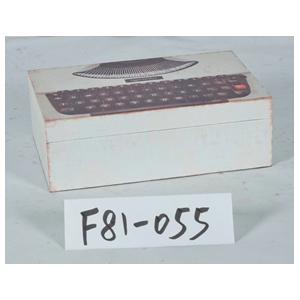 Caja de madera diseño máquina de escribir blanca de 30x20x10cm