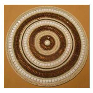 Bajo plato bordado de shakira diseño círculos beige con dorado de 35cm