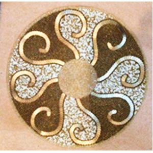 Mantel individual dorado con beige de chaquiras de 35cm