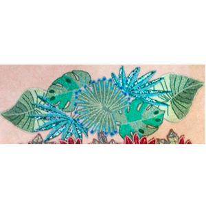 Camino de mesa diseño hojas verdes de chaquira de 90x32cm
