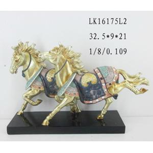 Pareja de caballos de resina dorados c/colores de 32.5x9x21cm