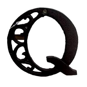 Letra Q de hierro de 20cm