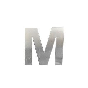 Letra M de acero de 15cm