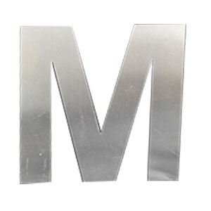 Letra M de acero de 25cm