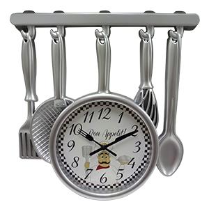Reloj de plastico diseño utensilios plateado de 35x32.8x4.5cm