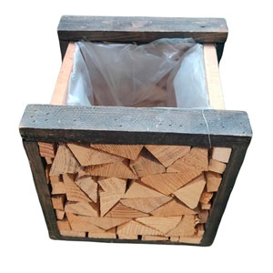 Maceta diseño trozos de madera cuadrada de 20x20x20cm