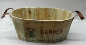 Maceta ovalada de madera con asas estampado de textos de  27x19x11cm