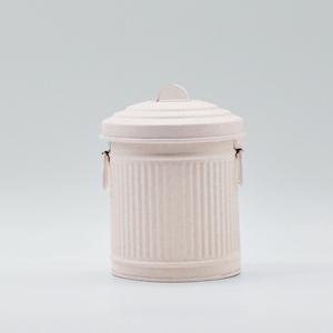 Bote de lámina con tapa en color beige de 11x11x13cm