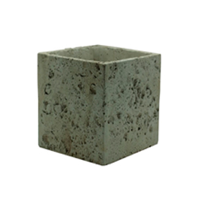 Maceta cuadrada diseño piedra color gris de 10x10x8cm
