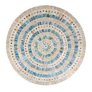 Plato de presentación de madera con incrustaciones de conchas beiges con azul de 38x3cm