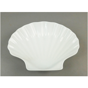 Plato de porcelana diseño concha de 14x13.5x3.5cm
