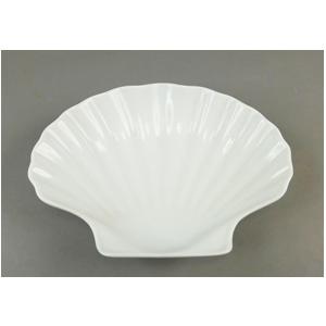 Plato de porcelana diseño concha de 23.5x23x7cm