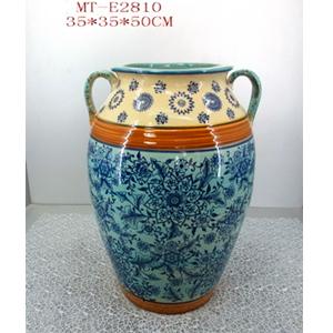 Vasija de porcelana grabado flores c/asas en tonos azules/beige de 35x35x50cm