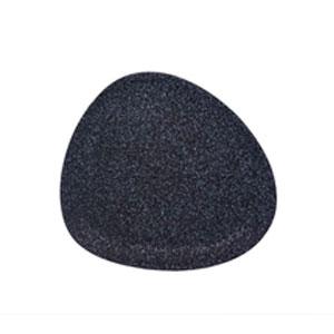Plato triangular negro con blanco de 31cm