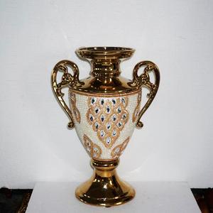 Florero diseño copa dorado con incrustaciones de pedrería de 39x16x44cm