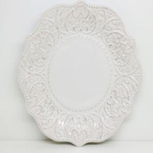 Plato de procelana blanca con orilla diseño encaje de 28cm