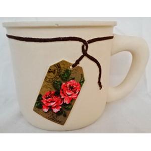 Maceta de cerámica beige diseño taza con etiqueta de rosas de 20x14.5x13.5cm