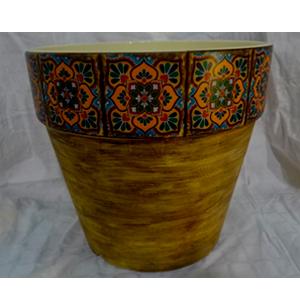 Maceta de cerámica amarilla con orilla de mosaicos rojos de 16x15cm