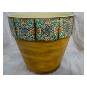 Maceta de cerámica amarilla con orilla de mosaicos verdes de 16x15cm